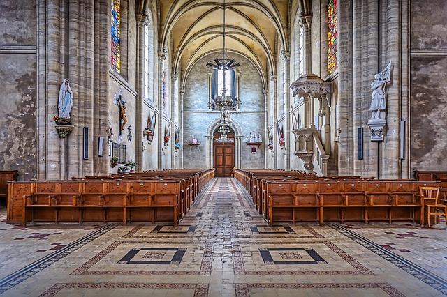 kostel normandie.jpg