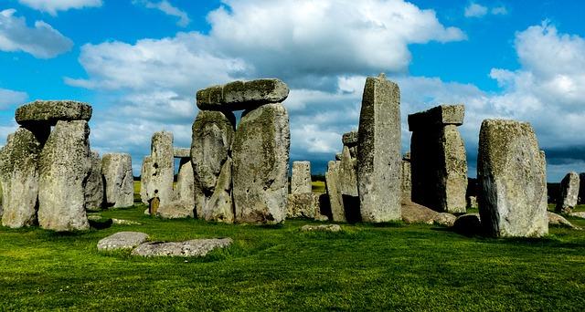 stonehenge stojící kameny