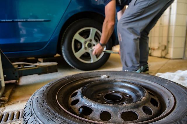 výměna pneumatiky vozu